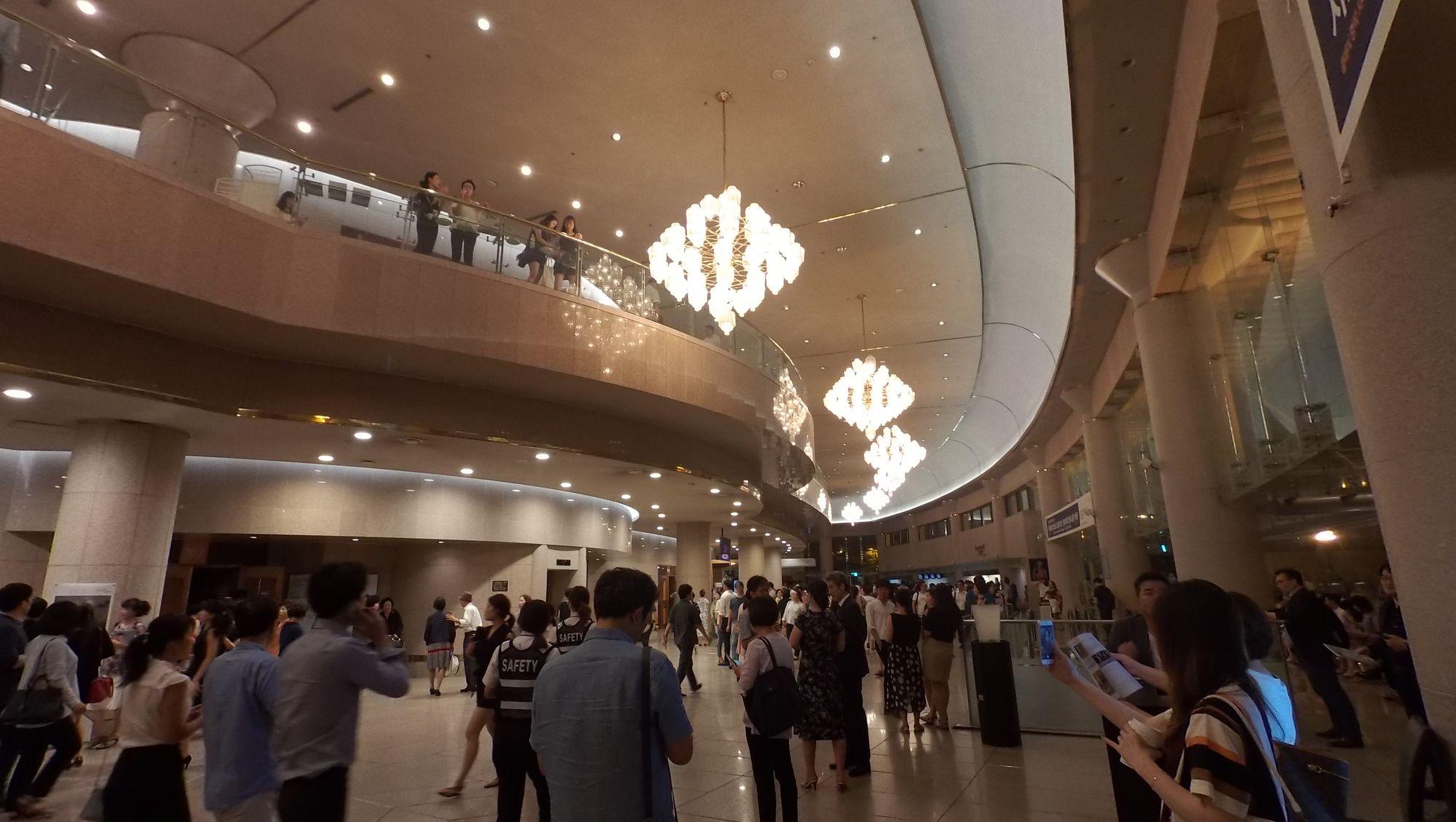 「藝術殿堂」的大堂