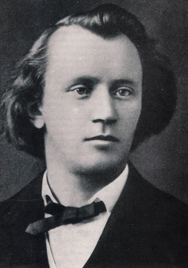 年輕的布拉姆斯,被舒曼封為德國音樂的新路向。他以後背負着這個冀願,在傳統這巨人般的身影中,找尋出路。